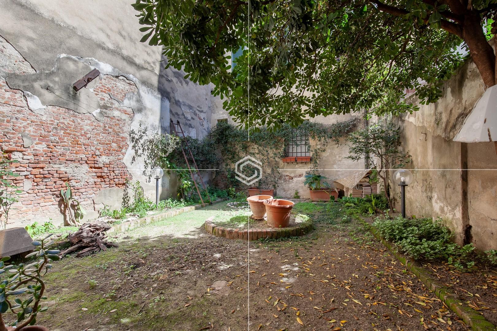 Ampio appartamento recentemente ristrutturato con giardino – Via Santa Maria
