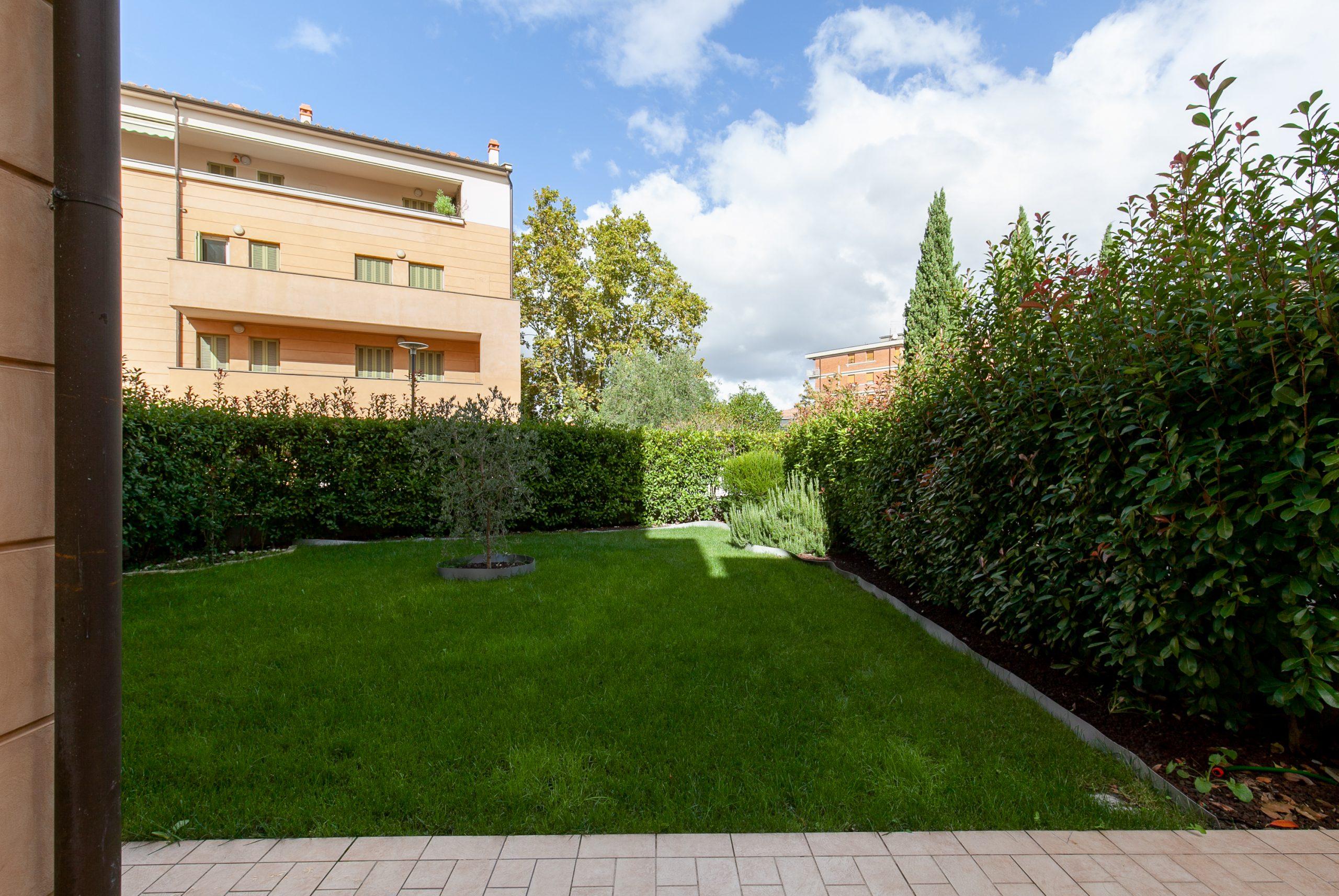 """Appartamento con giardino """"La Torre"""""""