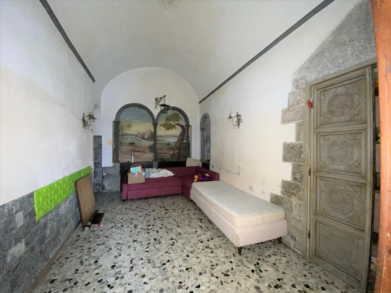 Appartamento bilocale con ingresso indipendente in vendita sul Lungarno