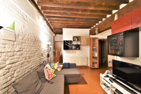 appartamento-vendita-centro-storico-santa-maria-giardino-pisa-due-esse-immobiliare