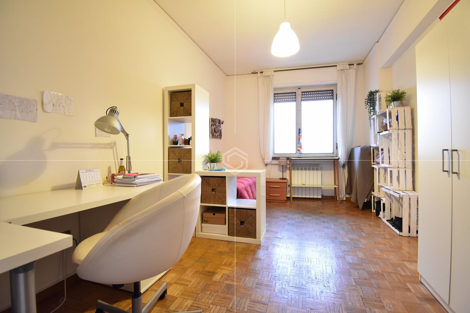 Appartamento luminoso in vendita con posto auto coperto | Via San Michele, Piagge