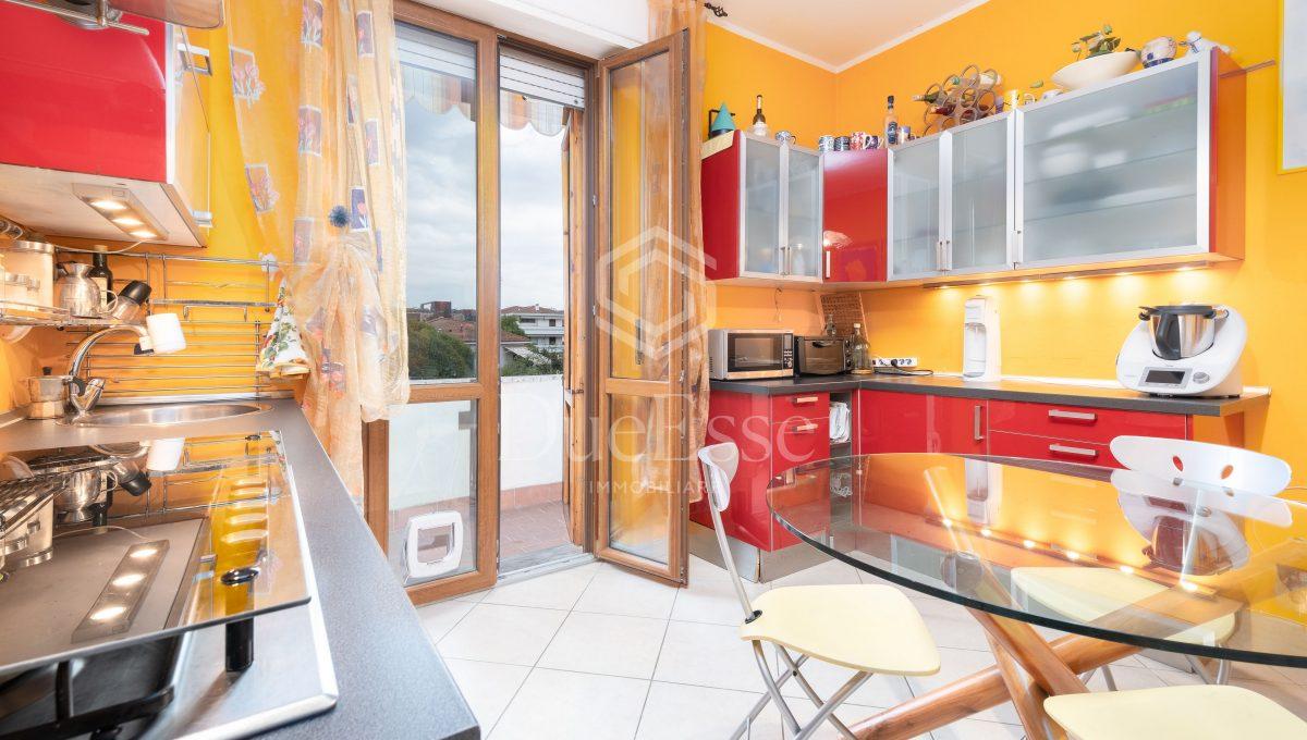 immobile-vendita-porta-a-lucca-pisa-due-esse-immobiliare24