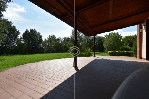 vendita villa con giardino- La Vettola- Pisa