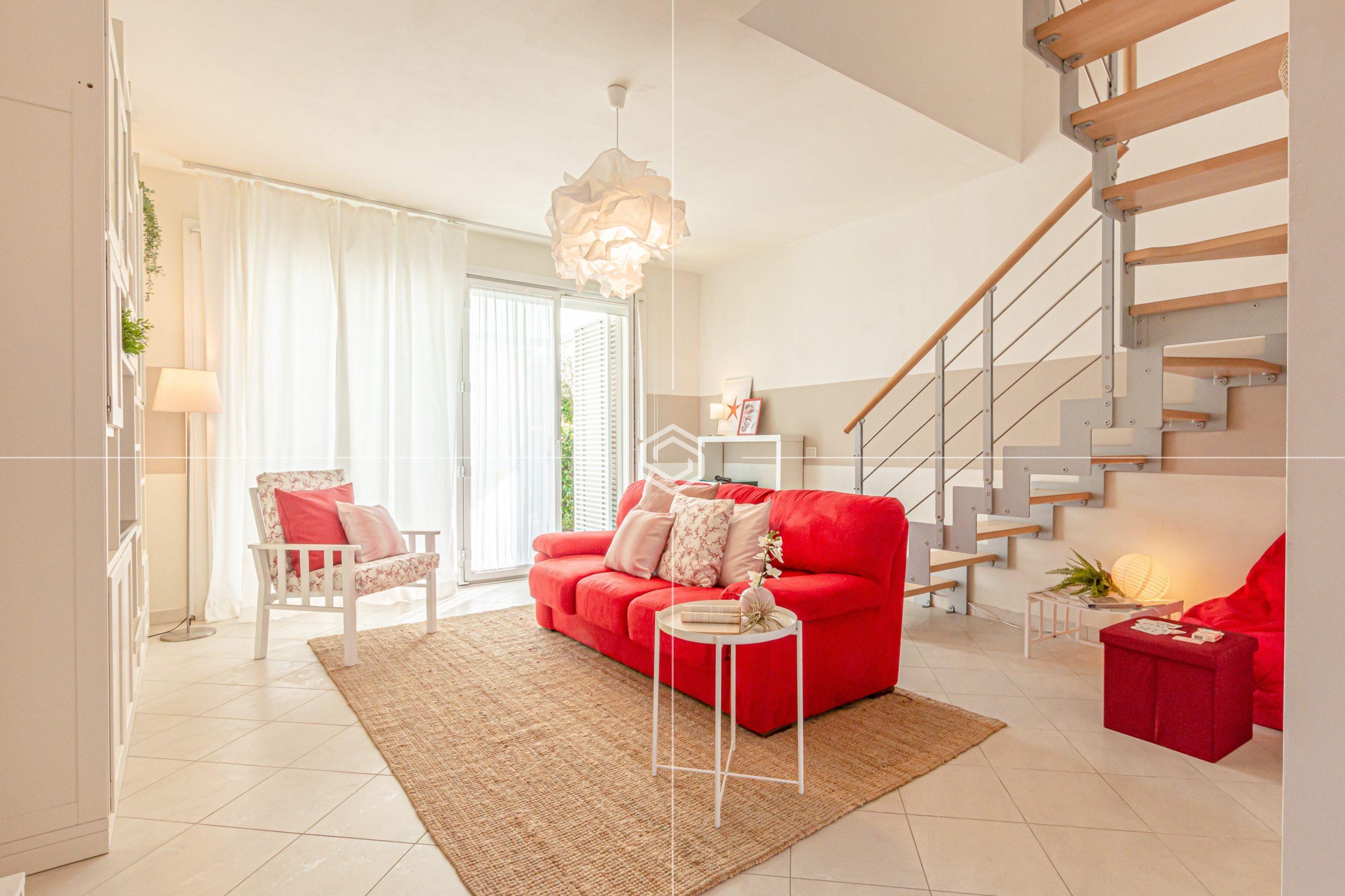 Villa Sunshine in vendita a Calambrone con giardino, posto auto e doppio garage